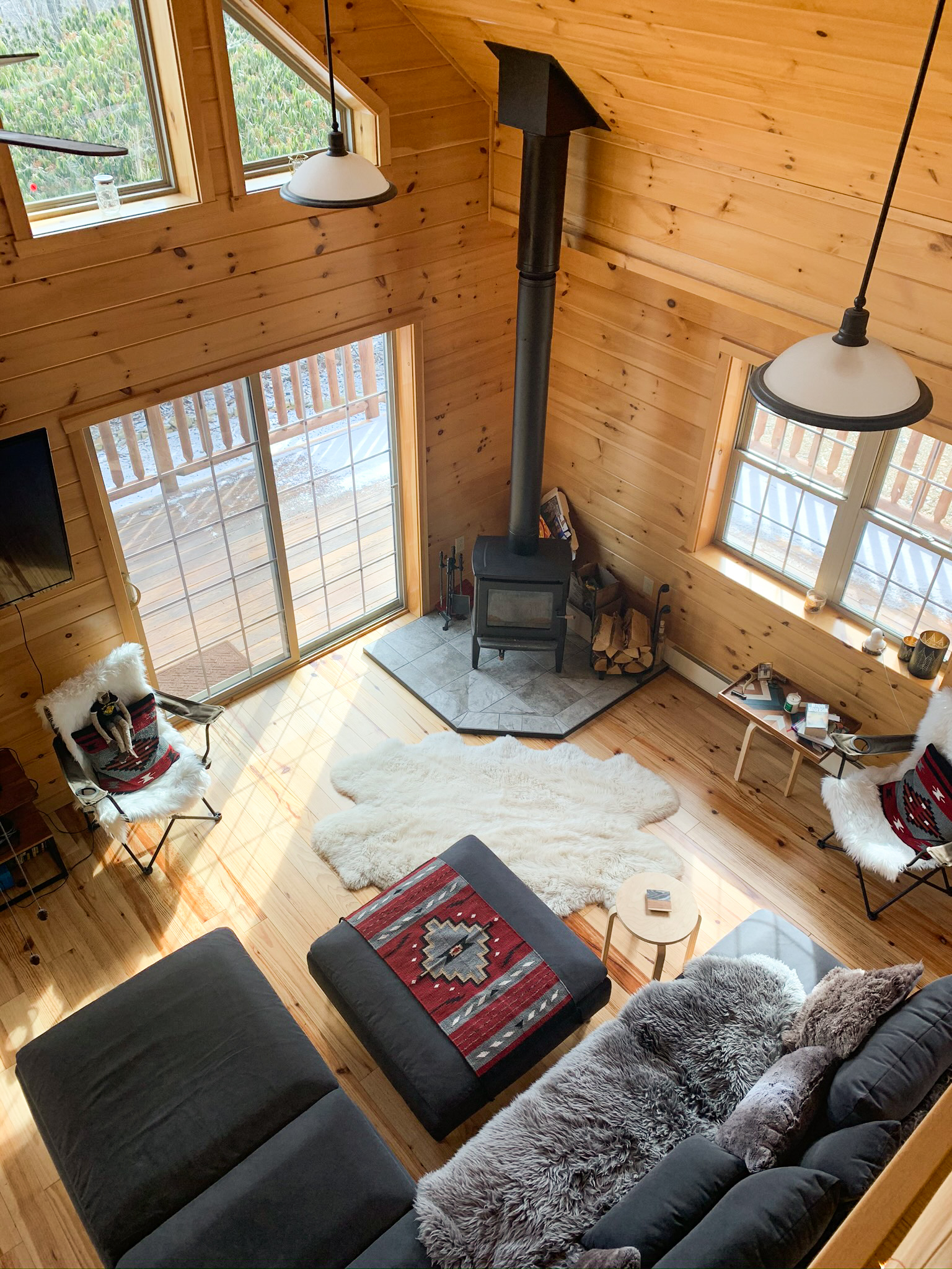 fireplace overview in cabin in jim thorpe pa