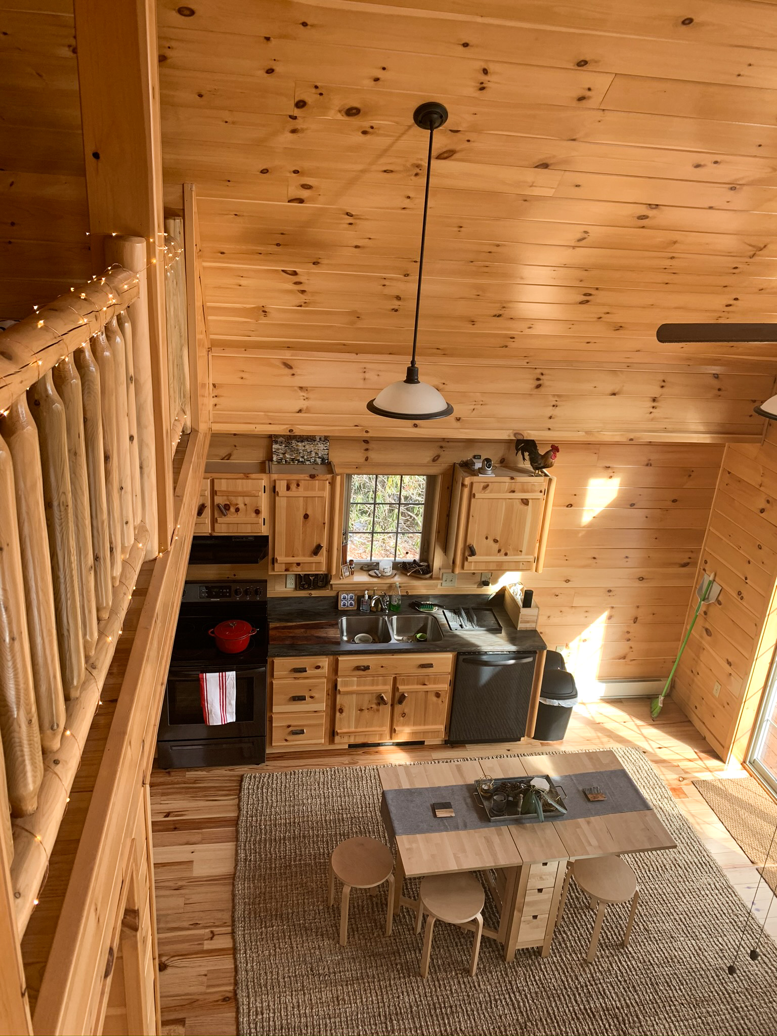 kitchen and loft in cabin in jim thorpe pa