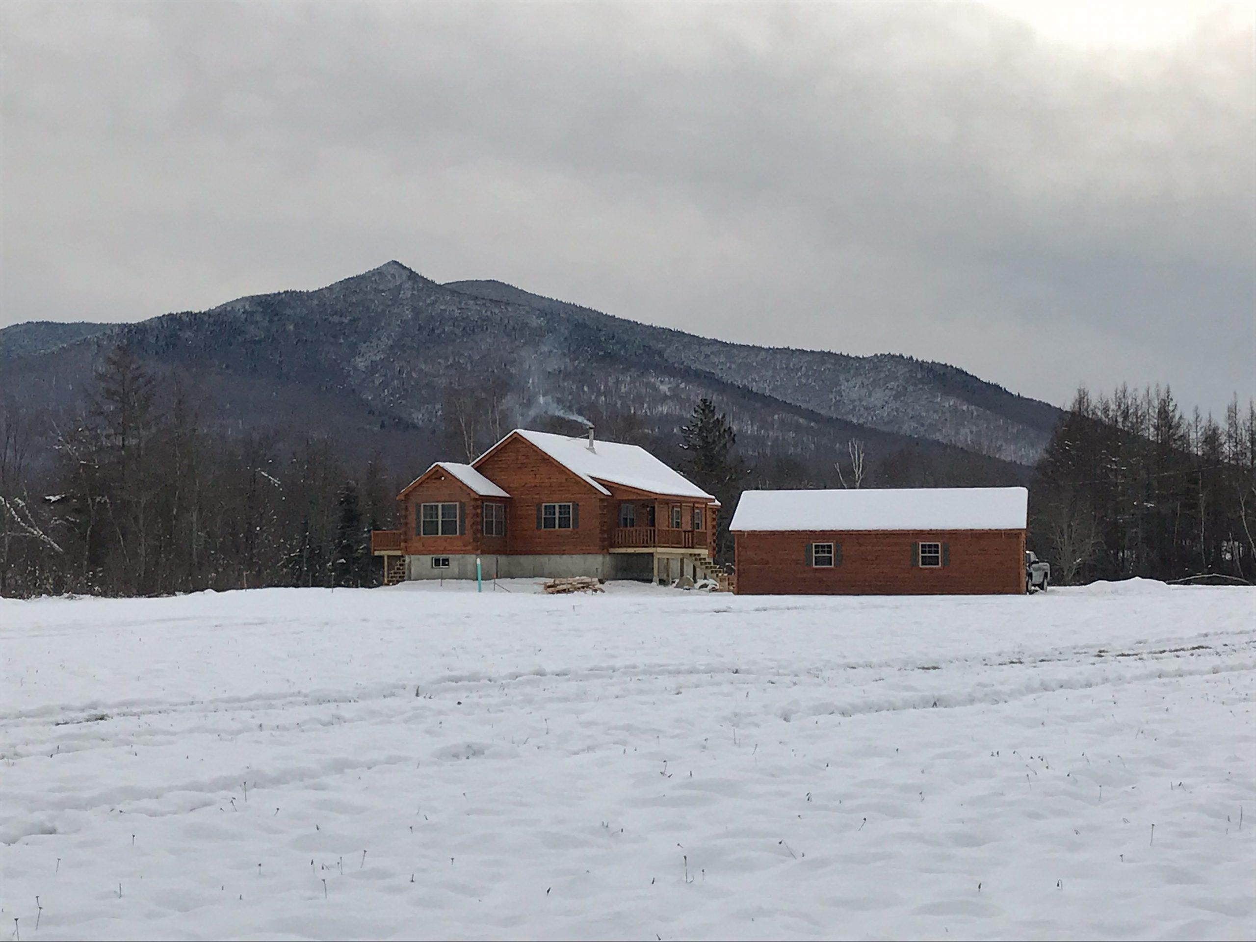 cabin in jefferson new hamphshire in winter