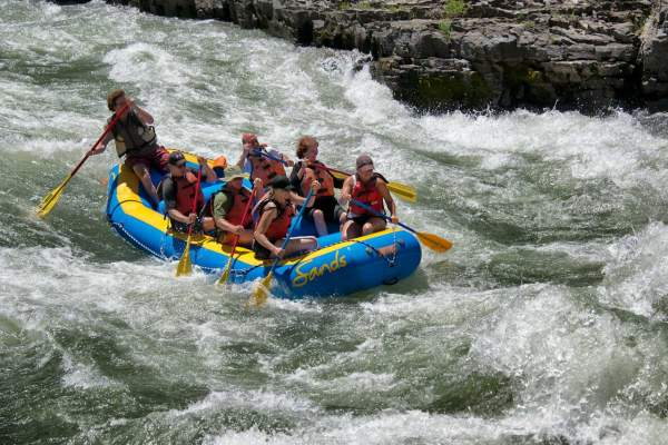 rafting in snake river by jackson hole