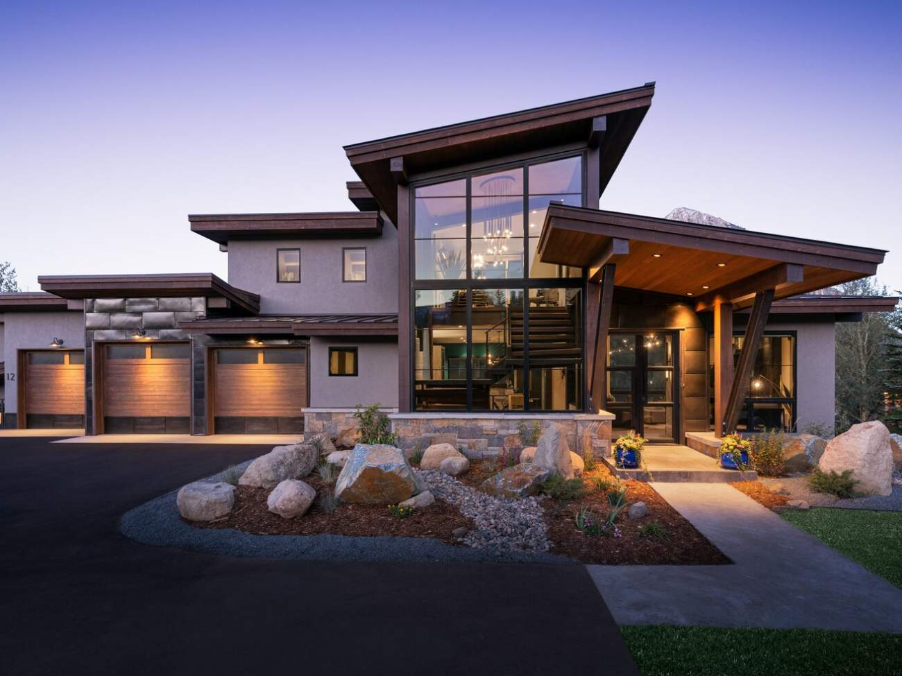 Modern Mountain Style Difference