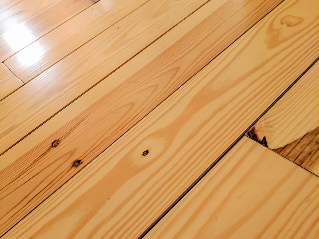 Yellow Pine Flooring for Modular Cabin