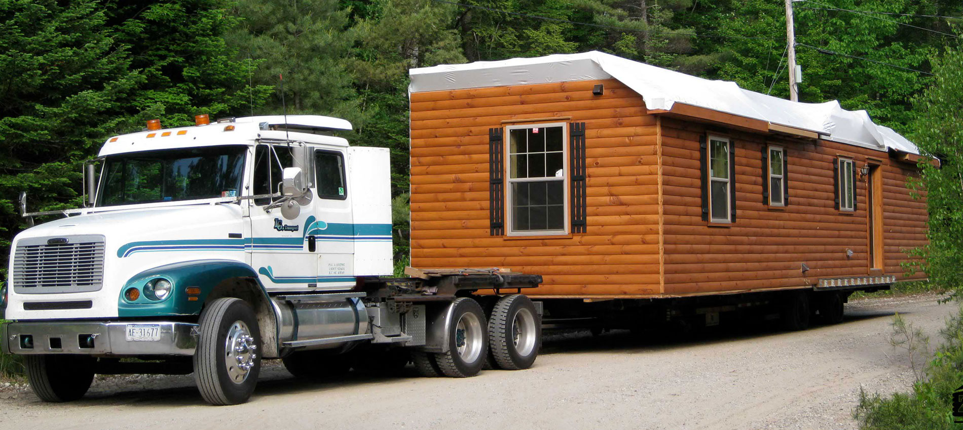 amish log cabins for sale in pennsylvania by zook cabins being delivered